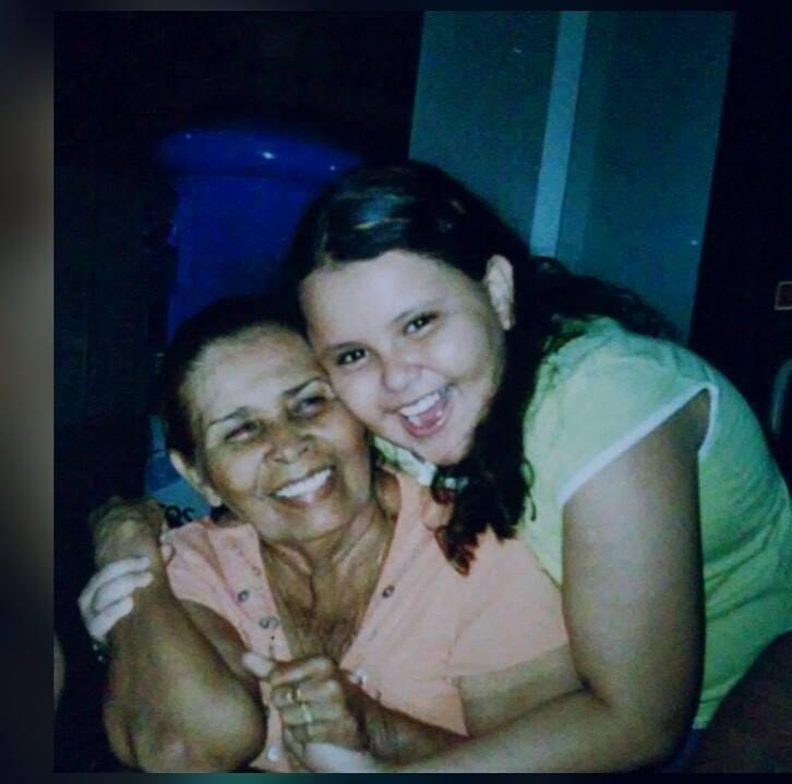 Allanan vivienda, detienen y amenazan a madre y hermana de la activista Dolly Mora. Foto: Tomada de Facebook.