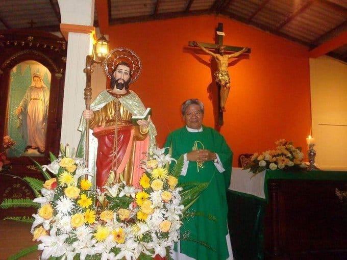 Sacerdote atacado con ácido en Catedral está en cuidados intensivos. Foto: Cortesía
