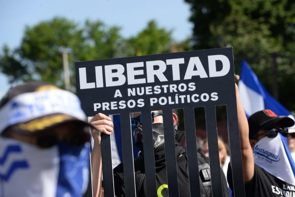 """Presos políticos mandan buenos deseos de Navidad hasta a quienes los llaman """"terroristas"""" y """"golpistas"""". Foto: Óscar Navarrete / La Prensa"""