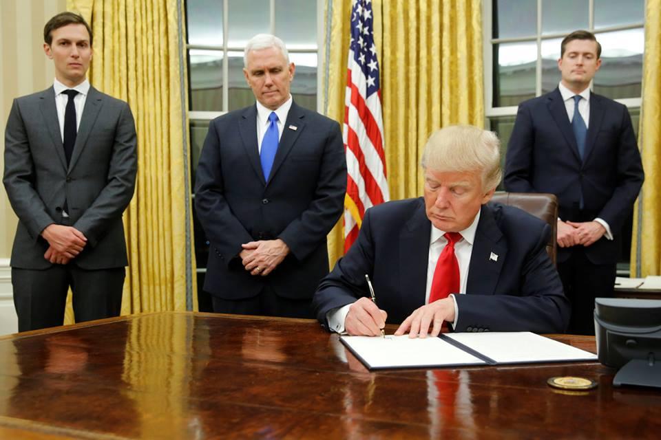 Donald Trump firmó, y la Nica Act ya es ley contra la dictadura de Ortega. Foto tomada de Internet.