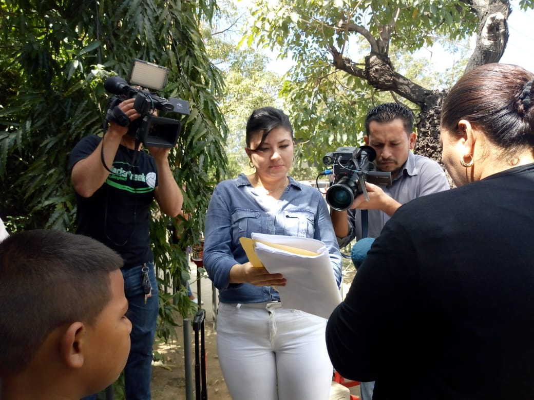 Abogada de Alex Vanegas, afuera de los Juzgados de Managua.