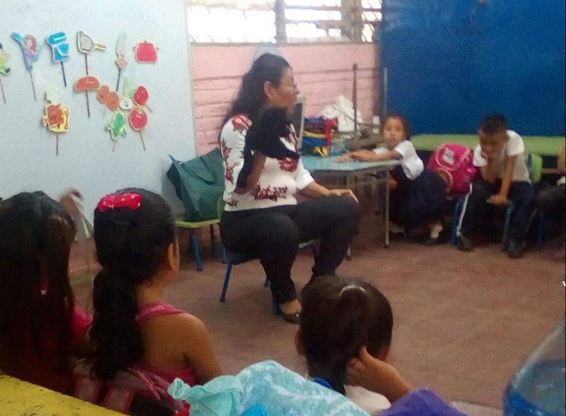 MINED despide a maestra por mantener postura crítica contra la dictadura