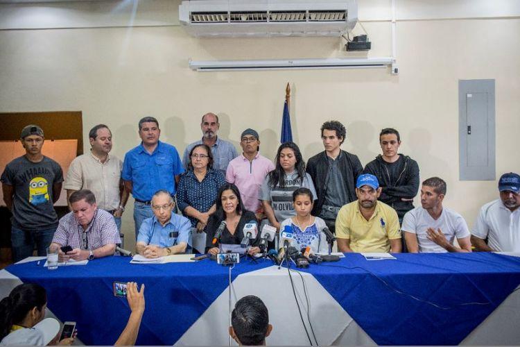 """Daniel Ortega y los ungidos para la """"negociación"""""""