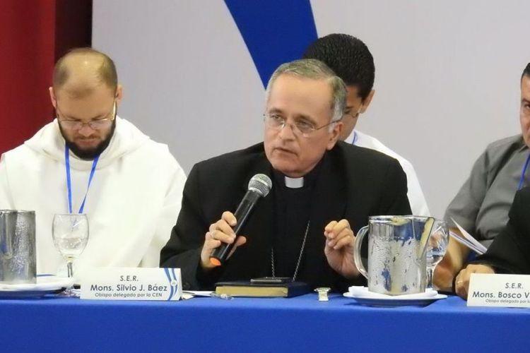 Monseñor Báez: «No puede haber diálogo si hay presos políticos»