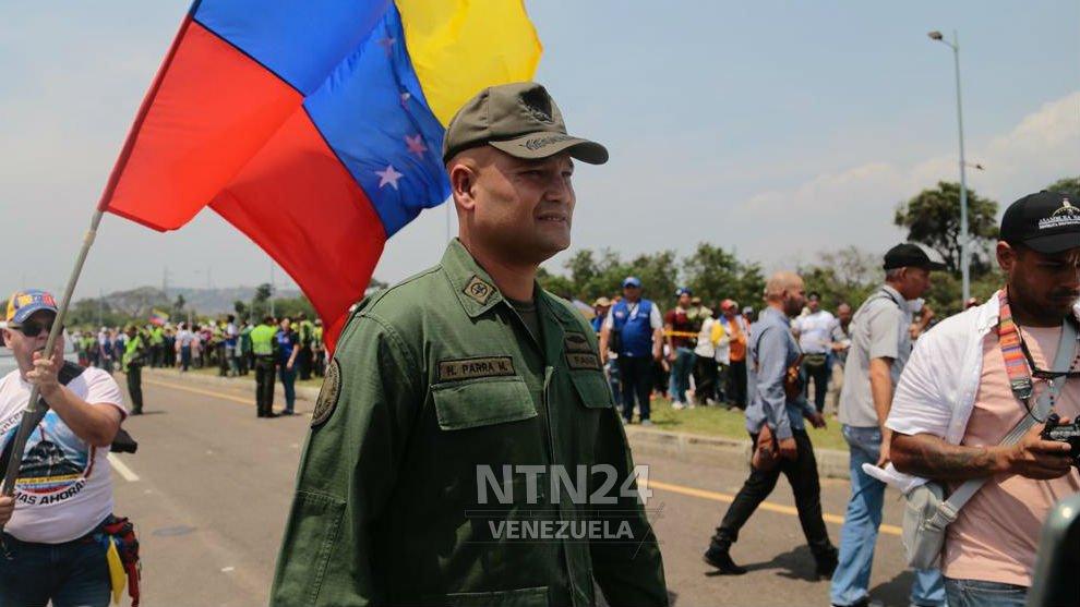 Más militares y policías reconocen a Juan Guaidó como presidente de Venezuela. Foto/NTN24