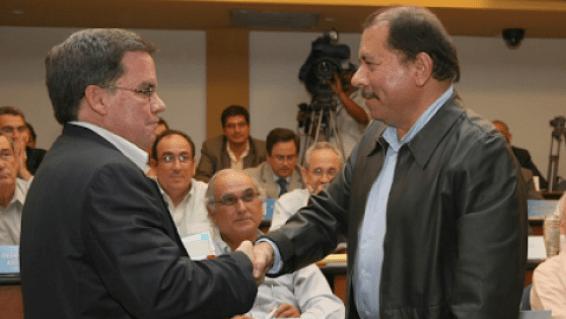 José Adán Aguerri junto a Daniel Ortega, cuando el Cosep y el régimen mantenían un estrecho vínculo de ganar-ganar