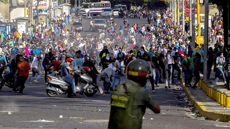 Represión en Venezuela, un muerto y varios heridos. Foto/Archivo
