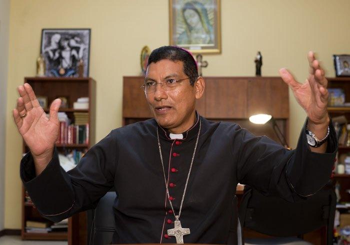 Monseñor Jorge Solórzano, obispo de Granada y secretario de la Comisión mediadora de Obispos ante el Diálogo Nacional. Foto/Cortesía: La Prensa