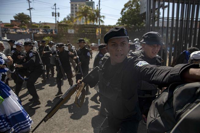 """UNAB advierte que """"no es posible continuar negociando"""" con el régimen sin garantes internacionales. Foto: Cortesía/AFP"""