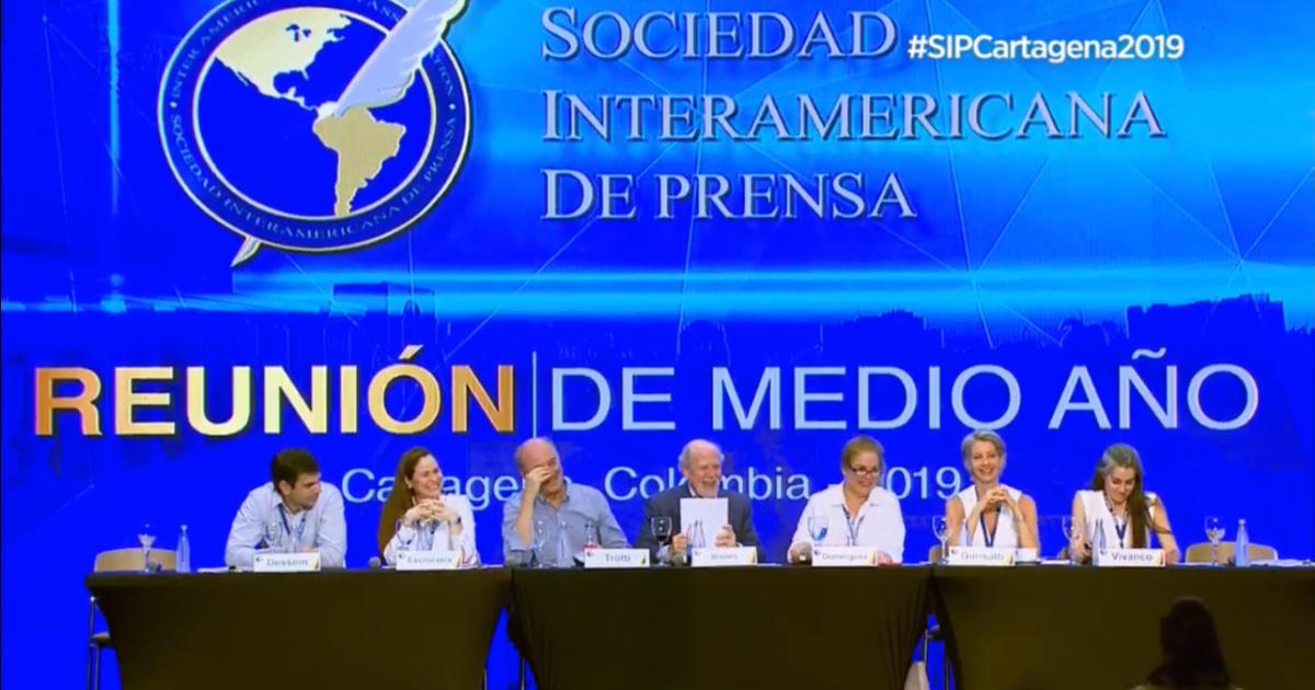 SIP exige libertad de los periodistas Miguel Mora y Lucía Pineda y libertad de prensa