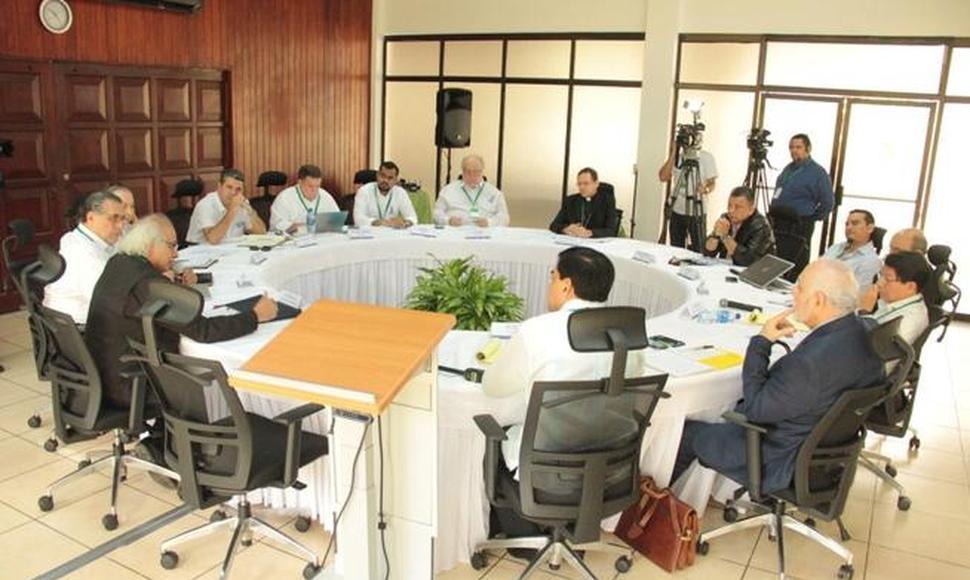 Mesa de negociación entre el régimen y la Alianza Cívica.