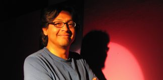 Arquímedes González lanza «Como esperando abril», una crónica sobre la crisis en Nicaragua. Foto: Cortesía