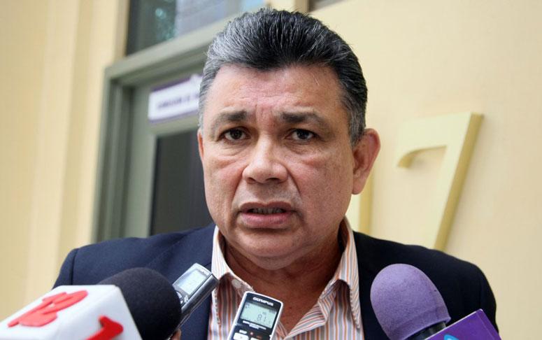 Wilfredo Navarro: Adelantar elecciones «es una falacia»