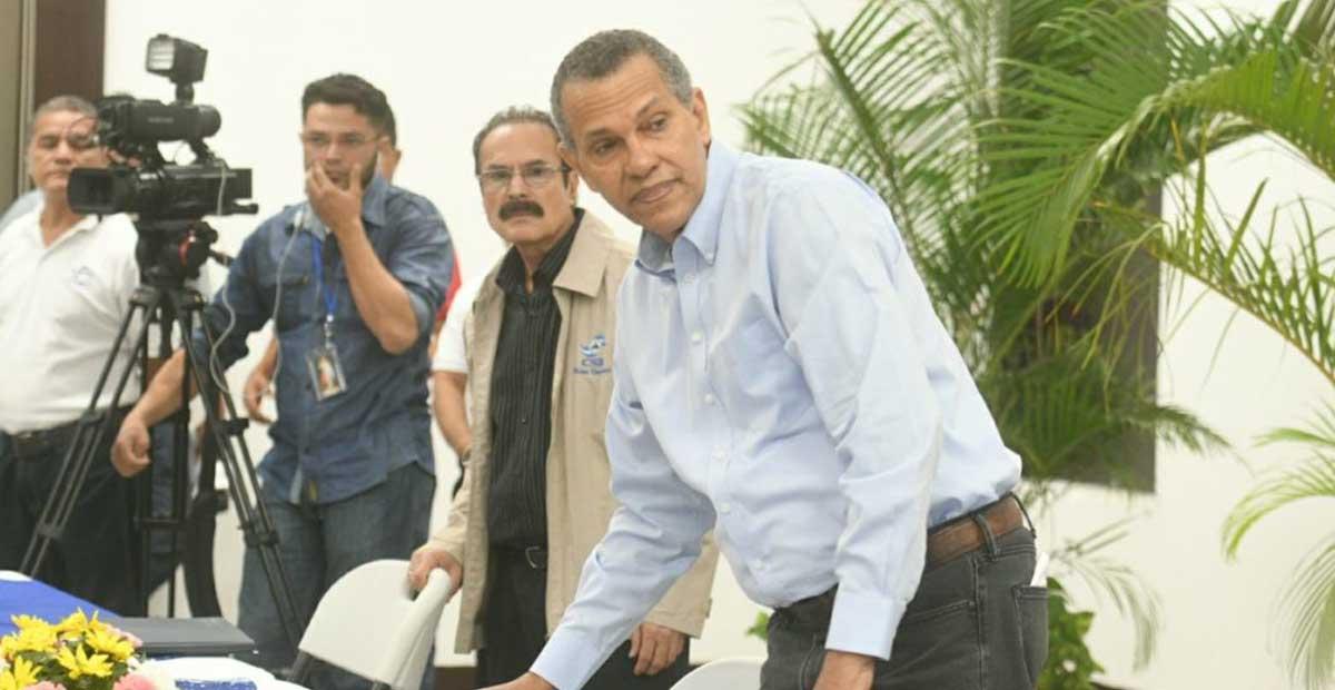 Presidente del Poder Electoral calla ante propuesta de reformas electorales