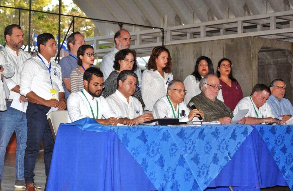 Las opiniones en las redes luego del final de las negociaciones entre la dictadura y la Alianza Cívica. Foto/LaPrensas