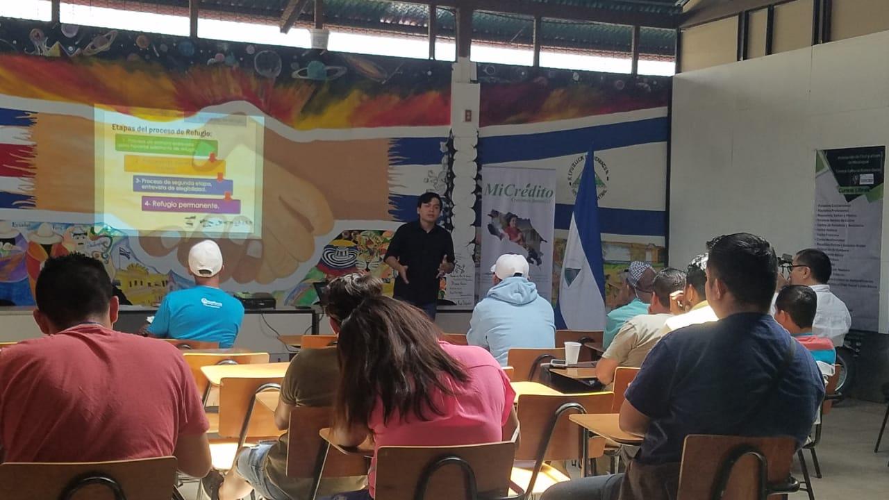 Nicas en Costa Rica reciben talleres para pedir asilo. Foto: Alfonso Malespín/Artículo66.