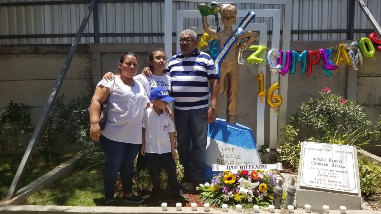 Familia, amigos y compañeros de clase recuerdan a Álvaro Conrado en su cumpleaños. Foto/Artículo66