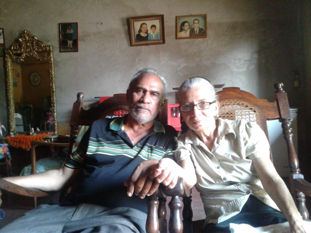 Turbas orteguistas de Masaya hostigan a ancianos, padres de joven exiliado en Costa Rica. Foto: N. Pérez/Artículo 66