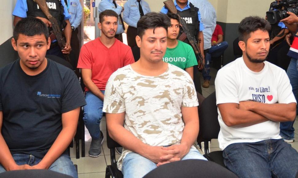 Jefferson Edwin Padilla Rivera, camisa blanco y manchas café. Foto: El Nuevo Diario.