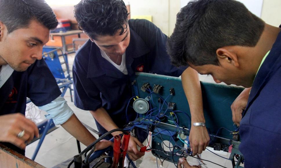 Funides recomendó a los jóvenes estudiar carreras técnicas ante la falta de empleo. Foto: El Nuevo Diario