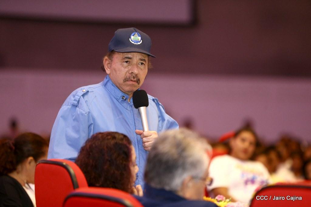 """Daniel Ortega tilda de """"miseria humana"""" a los que aplauden sanciones contra su régimen"""