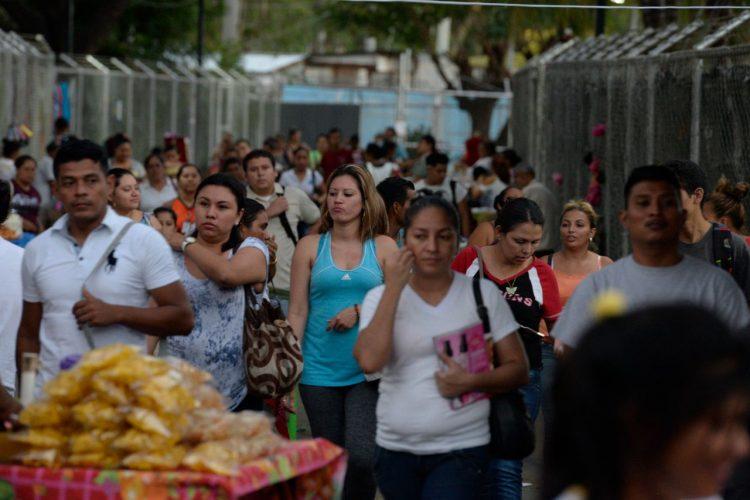 El país vive en precariedad laboral. Foto: La Prensa