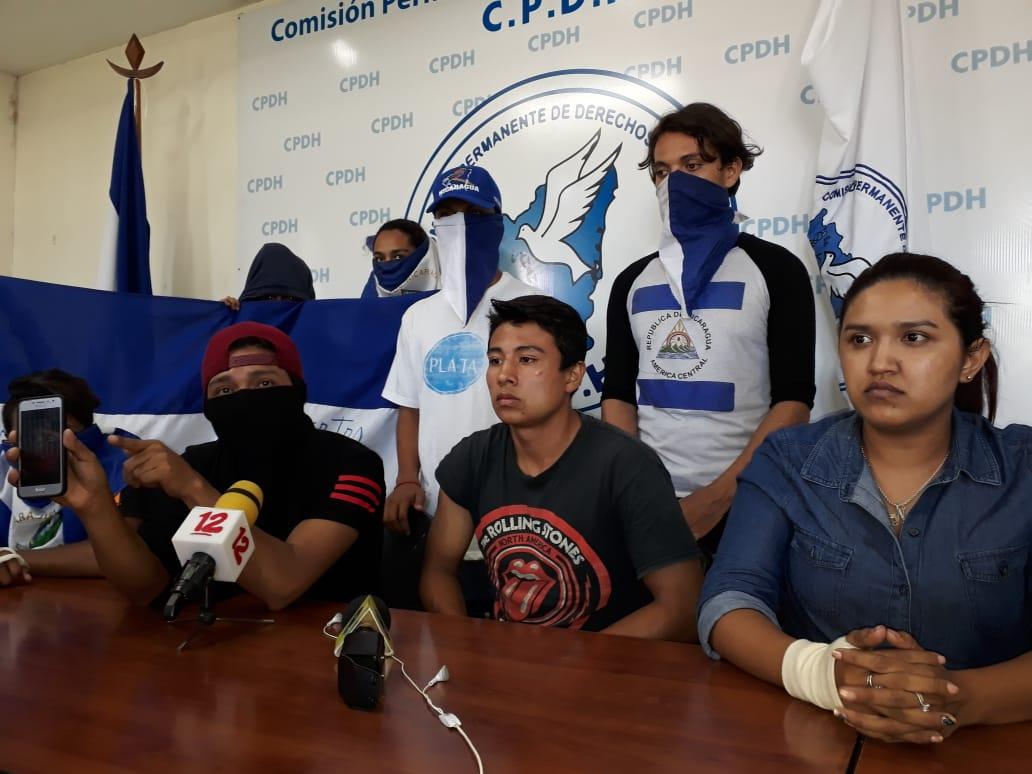Jóvenes denuncian brutal golpiza de paramilitares y policías en León. Foto: CPDH