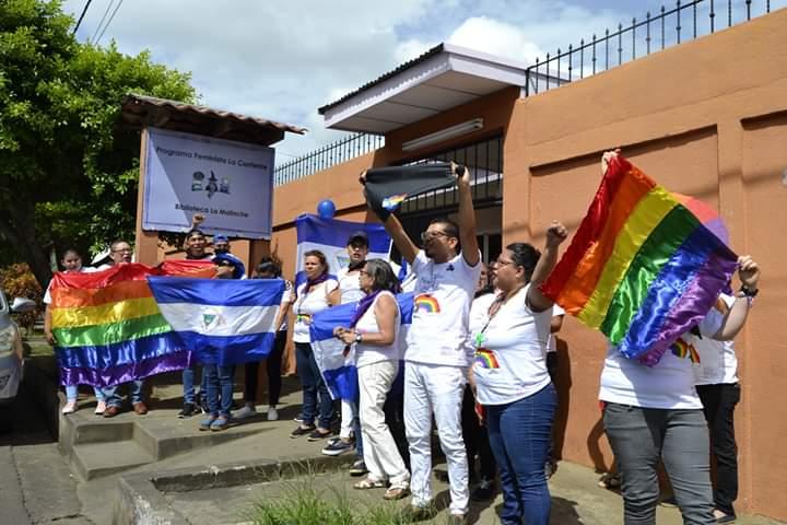 """Diversidad sexual celebra el día del orgullo gay gritando: """"¡Abajo Daniel Ortega!"""". Foto: Cortesía"""