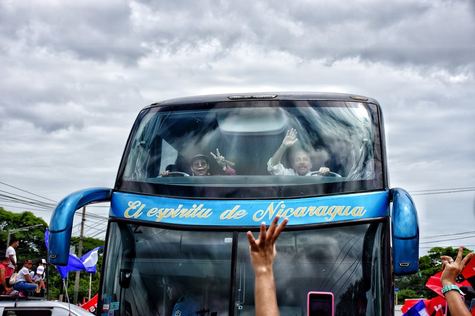 Ortega llena las calles de buses, vehículos y policías para su repliegue a Masaya. Foto: Cortesía