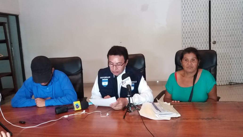 Madre e hijo fueron detenidos ilegalmente por la Policía en Masaya. Foto: María Gómez/Artículo 66