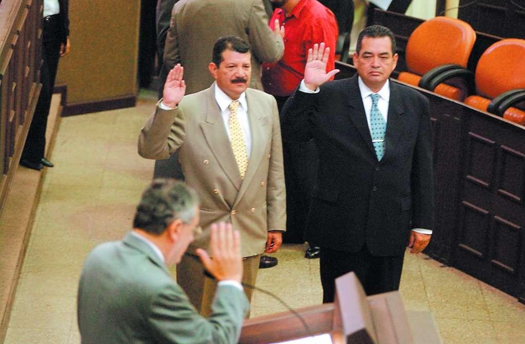 La fórmula del pacto Alemán - Ortega en la Procuraduría para la Defensa de los Derechos Humanos estuvo representado por Omar Cabeza (FSLN) y Adolfo Jarquín Ortel (arnoldista). Foto: Tomada de Internet.