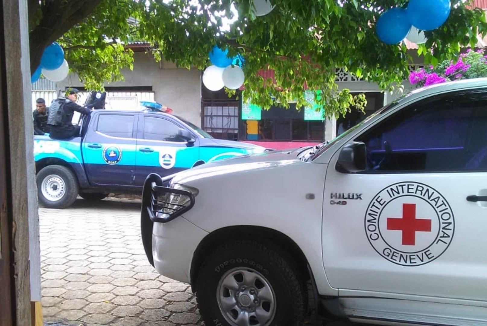 Policía asedió reunión entre la Cruz Roja Internacional y familiares de presos políticos de Masaya
