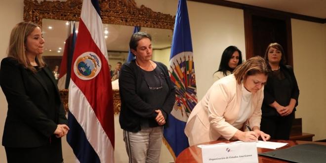 Costa Rica y la OEA firman convenio para atender a exiliados nicaragüenses. Foto: RREE