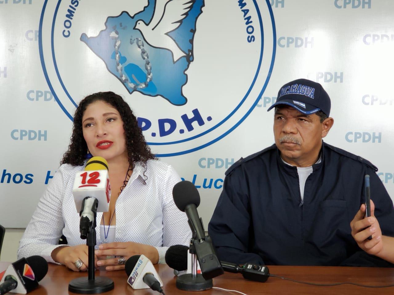 Policía asedia al líder campesino y excarcelado político Freddy Navas. Foto: Geovanny Shiffman/Artículo 66