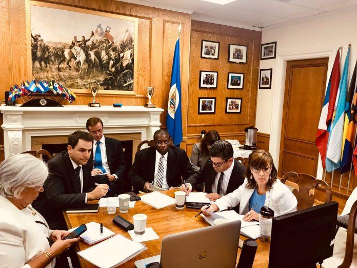 Miembros de la Alianza Cívica y la Unidad Nacional Azul y Blanco viajan hacia Washington a reunirse con la Comisión de la OEA