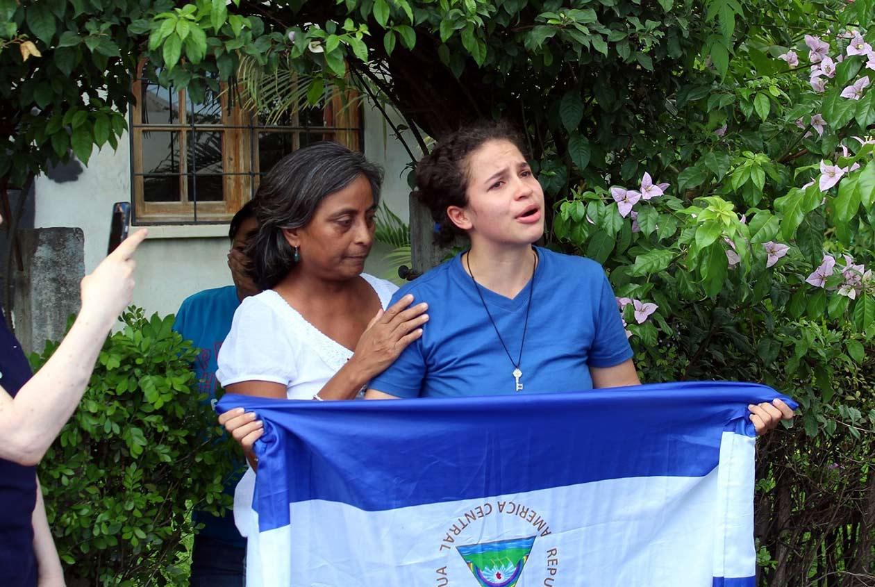 La lideresa universitaria tras su liberación, después de haber permanecido secuestrada durante nueve meses por la dictadura de Ortega. Foto: Cortesía