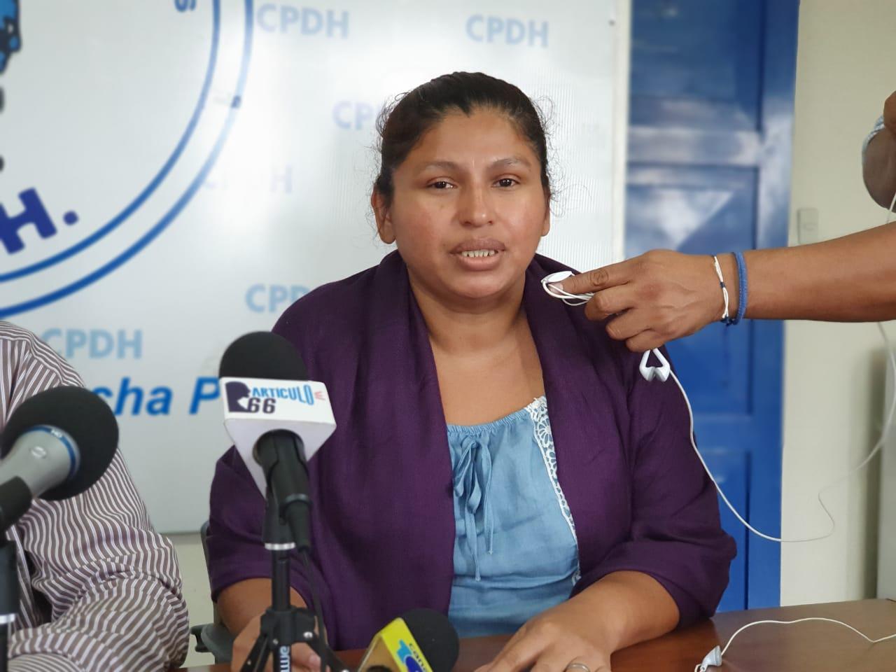 Dulce Briceño, madre de la joven acusada por la Policía orteguista. Foto: Álvaro Navarro