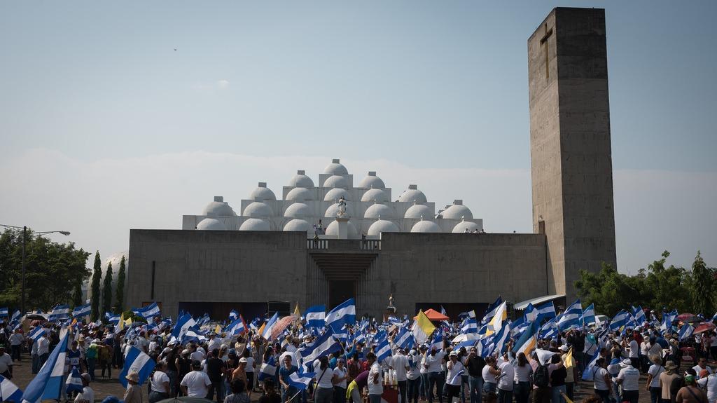 Una de las marchas convocada por la Iglesia pidiendo por la paz de Nicaragua. Foto/Cortesía: Agencia de noticias ReligionDigital.com