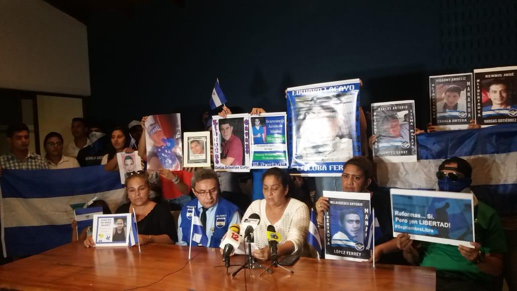 Familiares del preso político Edward Lacayo denuncian que le suministran gasolina en sus medicamentos. Foto: María Gómez / Artículo 66