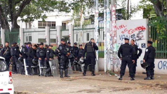 Régimen de Ortega por segundo día mantiene sitiada Managua
