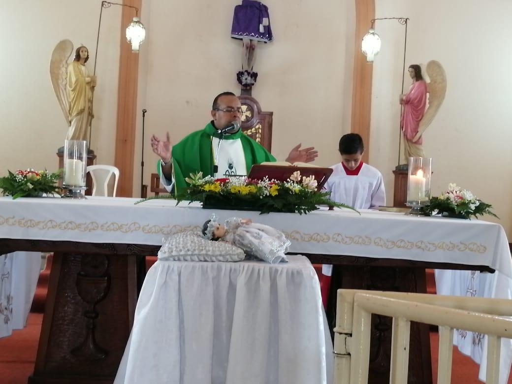 Dictadura amenaza al sacerdote de San Jerónimo por realizar fiestas patronales en solemnidad