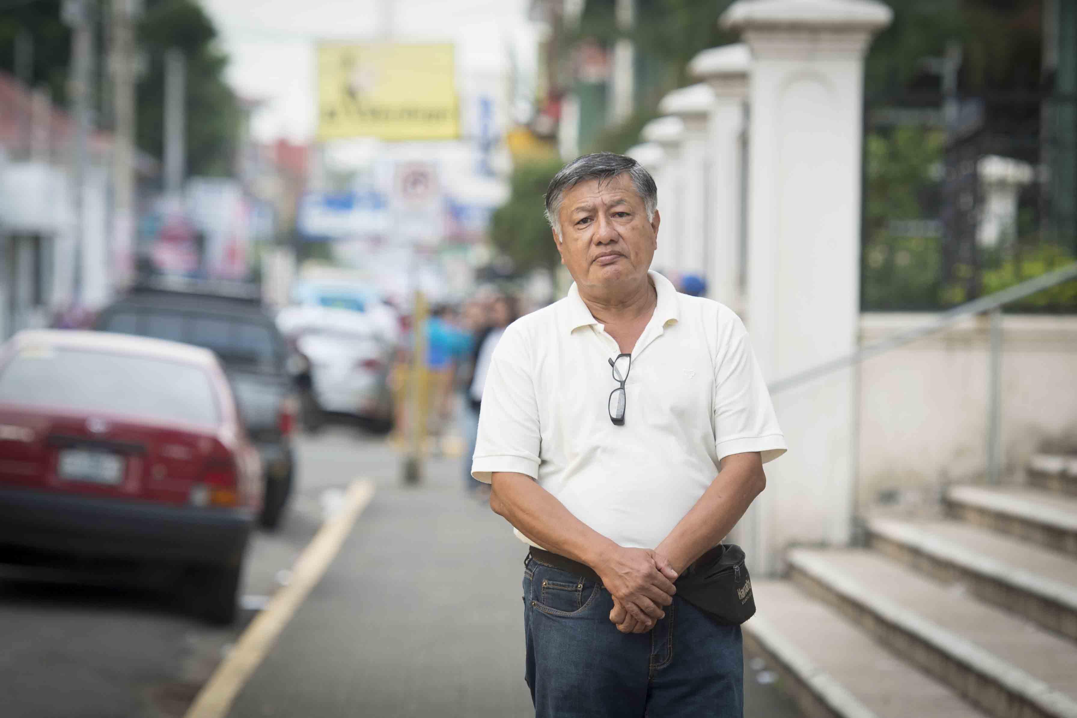 Retienen en Peñas Blancas al exreo político y coronel en retiro Carlos Brenes . Foto: La Prensa