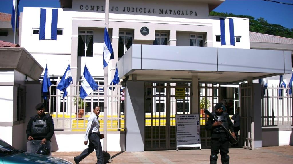 Afueras del Complejo Judicial de Matagalpa