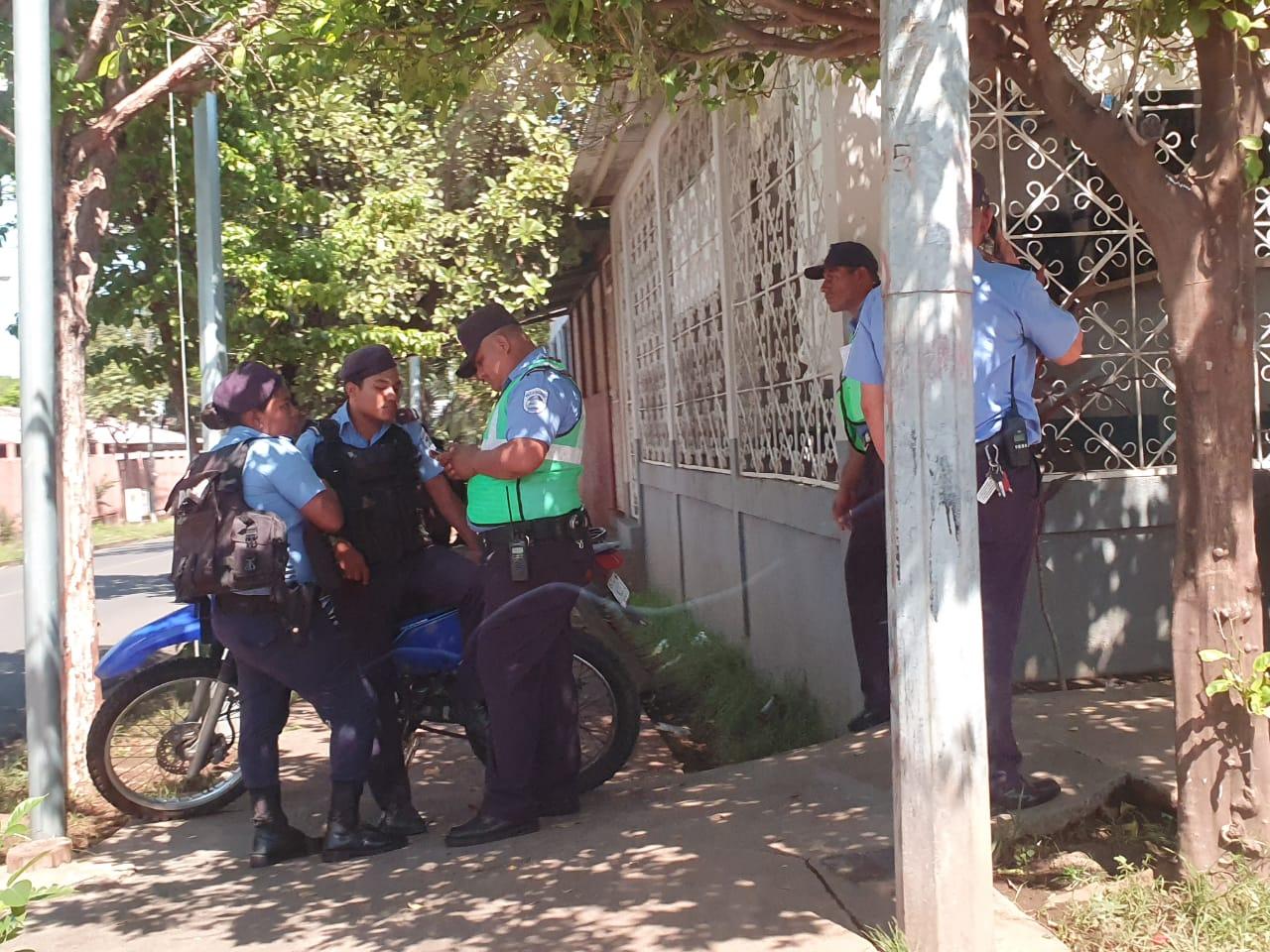 Régimen mandó a cercar las tres iglesias para impedir que se realice hablatón por los presos políticos. Foto: Á. Navarro/Artículo 66