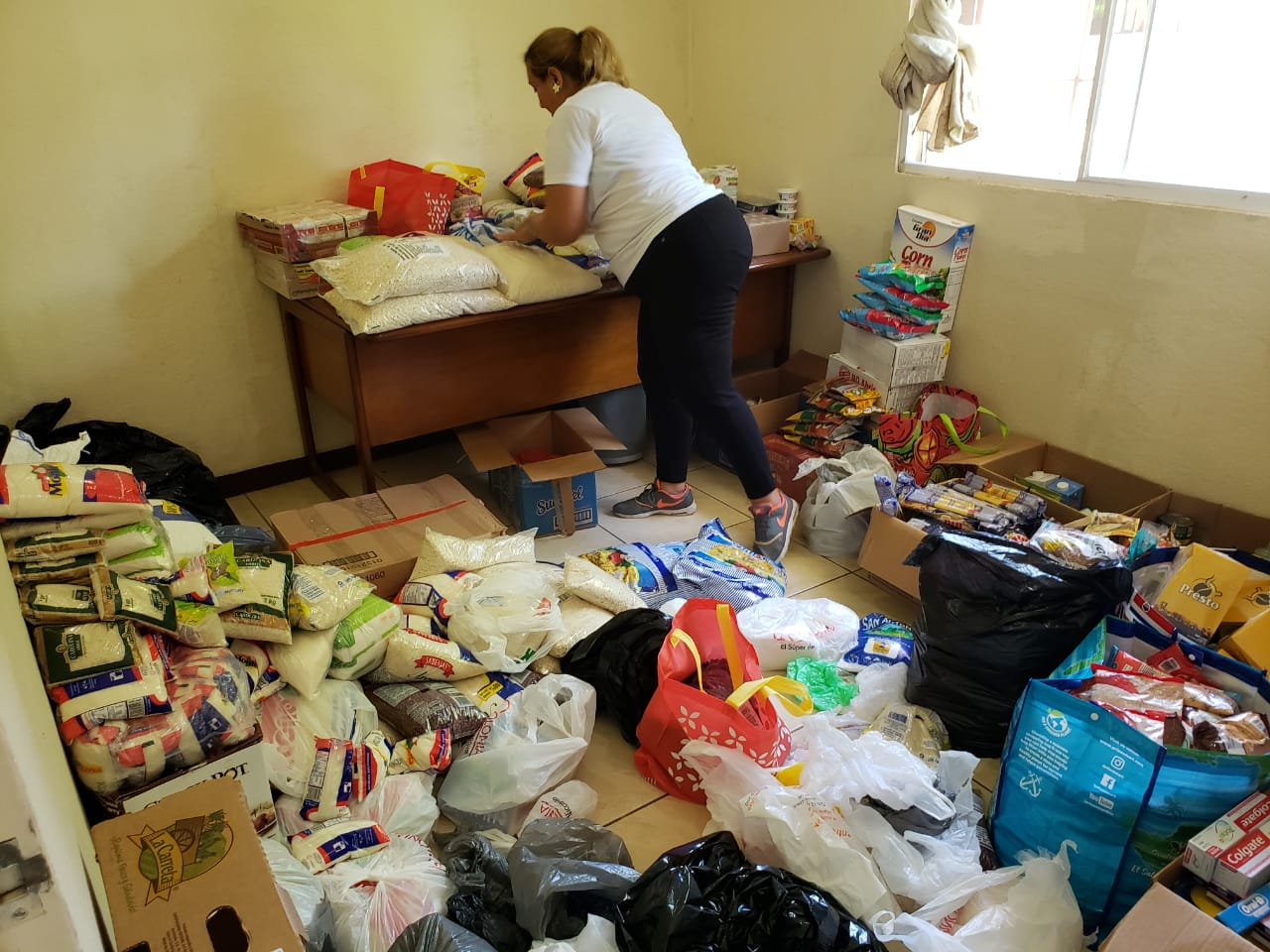 Exitosa la colecta de víveres en Managua para los presos políticos, pese a cercos policiales. Foto: Artículo 66
