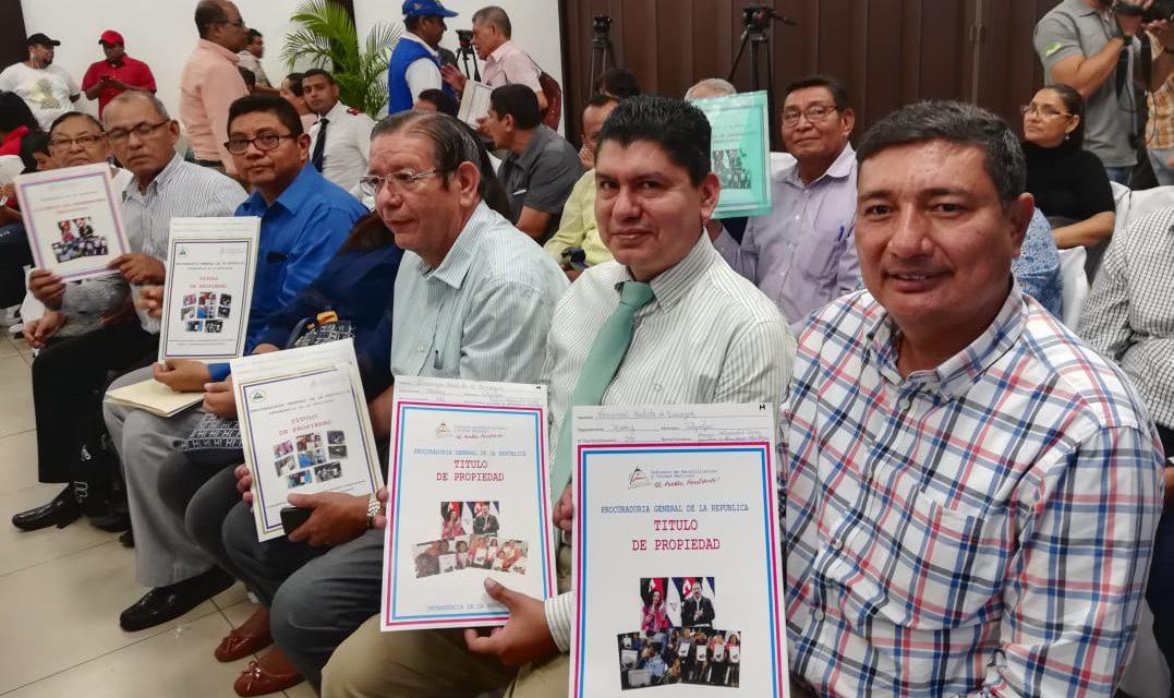 Dictadura premia con 67 títulos de propiedad a pastores evangélicos aliados de su régimen. Foto: El 19 Digital