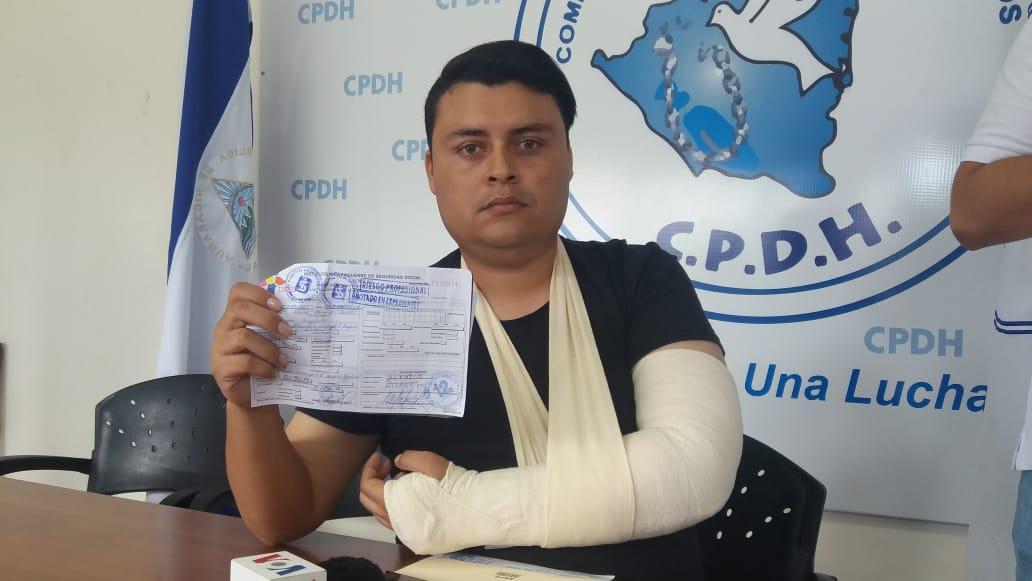 Periodista de Canal 12 recurre a la CPDH para denunciar agresión policial. Foto: María Gómez/Artículo 66