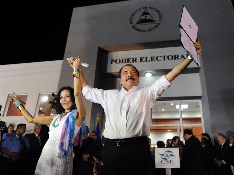 Rosario Murillo y Daniel Ortega. Foto: Tomada de la web.