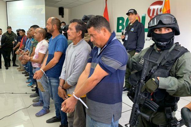 Nueve venezolanos que fueron capturados en Bolivia instigando la violencia y portando armas de alto calibre para atacar al gobierno interino. Foto: BBC Mundo