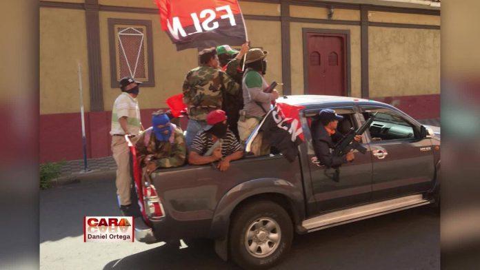 Paramilitares al servicio del régimen, durante las protestas en Nicaragua. Foto: Cortesía